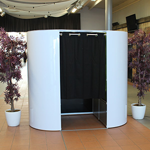 photobooth-wedding-booth-300